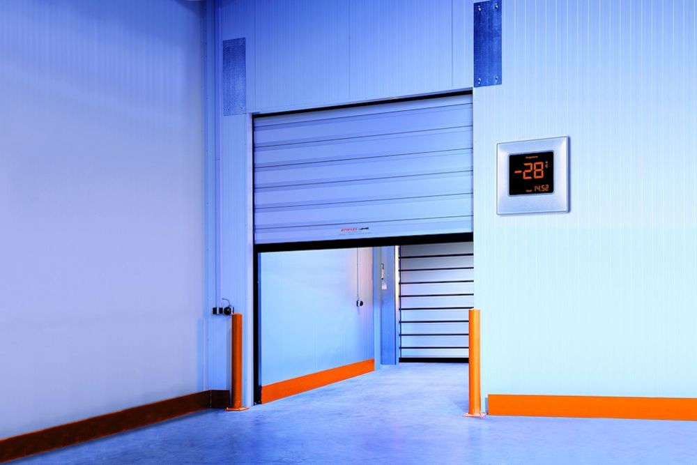 דלת מהירה לחדר הקפאה