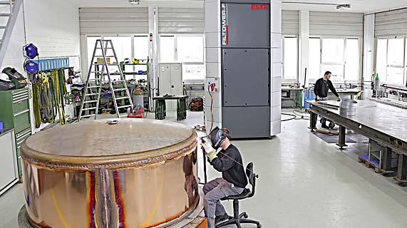 מערכות Welding Tower לטיהור אוויר במחלקות ריתוך סגורות
